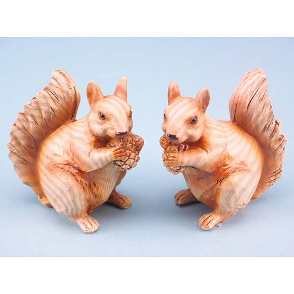 Wood effect squirrel